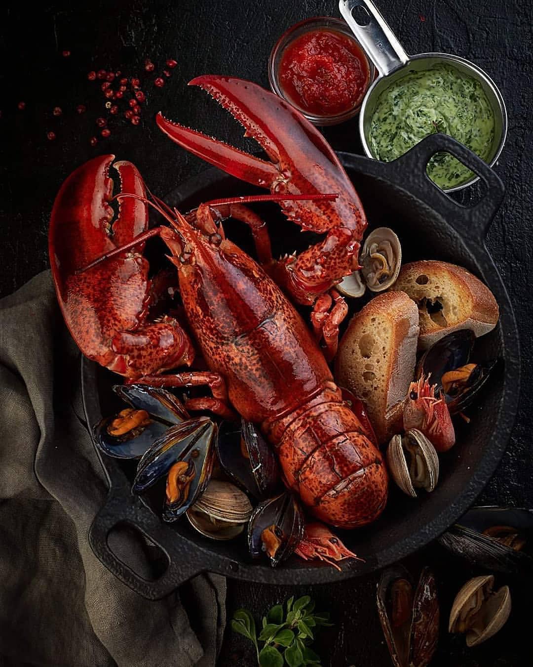 Лобстер и морепродукты