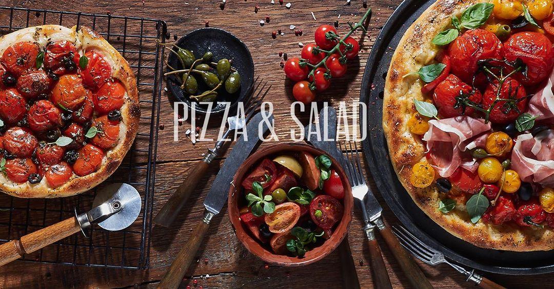 Пицца и салат